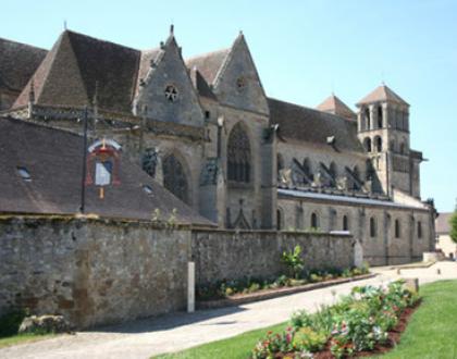 Pélerinage de Souvigny, route des collégiens